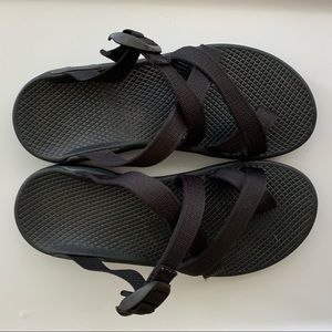 Chacos Zong X black size 8